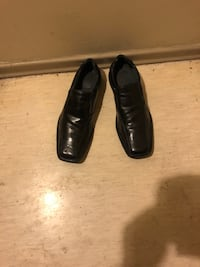 Pair of black leather dress shoes size 11 Winnipeg, R2K 4A1