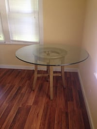Clear glass top pedestal table Fort Myers, 33901