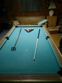 blue and brown pool table Mohnton, 19540