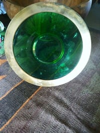 round green and white ceramic bowl Los Angeles, 91335