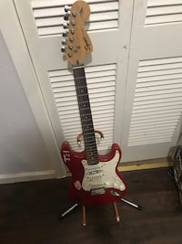 Strat Squier T4 electric guitar *AS IS San Leandro, 94578