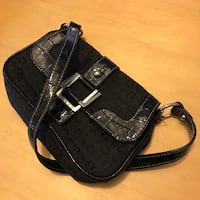 Guess brand black handbag / purse 42 km