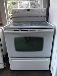 Maytag Electric Range w/Self-Cleaning Oven