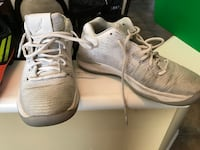 pair of white Nike low-top sneakers 3158 km