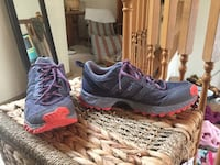 pair of black-and-red Nike running shoes, size 8 1/2 Lake Stevens, 98258