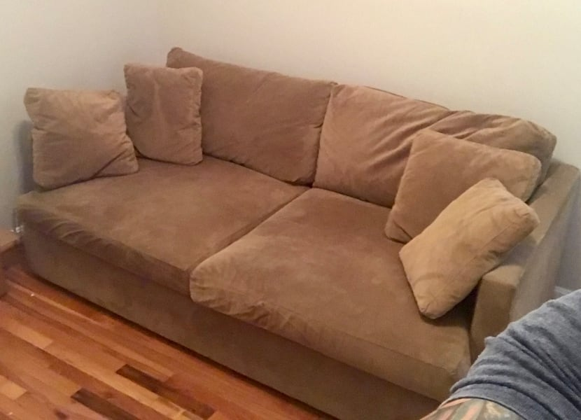 Free Couch in Bloomingdale a2f28359-70ea-46f9-853a-cf06ca466cd2