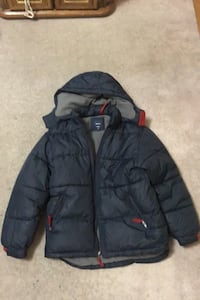 New condition navy blue boys sz large gap winter jacket