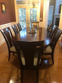 Designer Grand Formal Dining Table  With 8 Chairs Surrey, V4N 5J7
