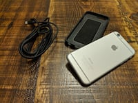 iPhone 6 - 64GB silver with black case