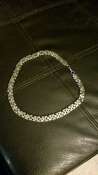 Silver plated necklace Grande Prairie, T8V 3N9