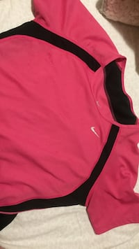 pink and black Nike crew-neck t-shirt