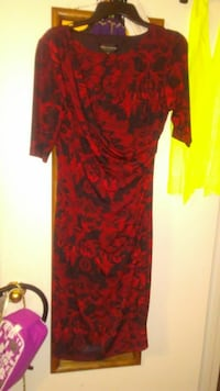 CLOTHES - DRESS Sz 12 Red/Black side-swag . Arlington, 76011