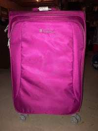"27"" Pink 8 Wheel Roller Suitcase  St Catharines, L2W 1C4"