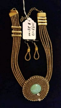 gold and silver necklace with pendant Herndon, 20171