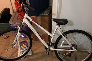 Bike like new! Great for Christmas!! New was 149