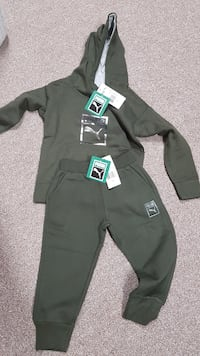 NEW Puma two piece outfit size 3T