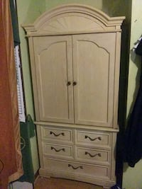 Bedroom cabinet Knoxville, 37917