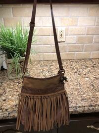 Fringe purse / outside pocket missing snap Smyrna, 37167