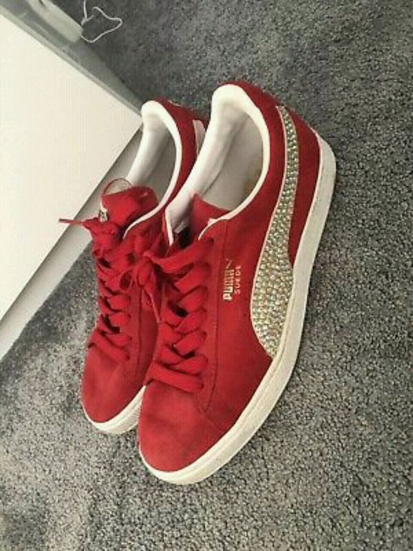 Used puma trainers size 7 Red for sale in Oldham - letgo 0870fda590be