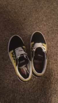 Charlie Brown edition Vans  Palm Bay, 32909