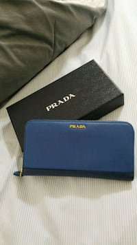 Prada wallet North Miami, 33161