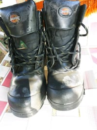pair of black leather boots London, N6C 4Z9