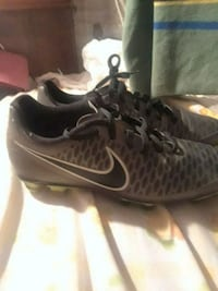Cleats size 7 nike never wore Tulare, 93274