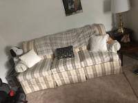 Couch for $80 Gently used  Halethorpe, 21227