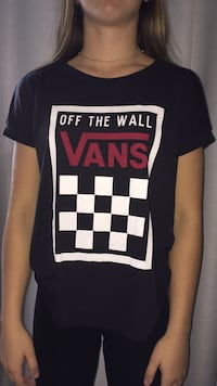 Black and white vans shirt Chambly, J3L 1N1