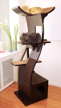 Good condition cat tree Annandale, 22003