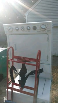 Whirlpool ( 18 months old) washer dryer combo Rochester, 03867
