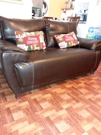 it's a three-piece living room not leather Laredo, 78045