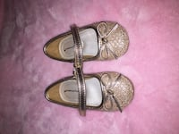 pair of brown leather flat sandals Orchard Hills, 21742