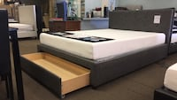 Queen bed and memory foam mattress  Glendale, 85308