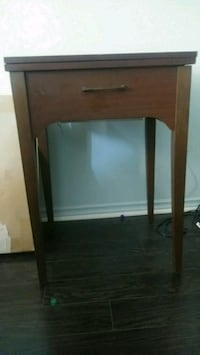 Table for sewing machine Mississauga, L5B 4A1