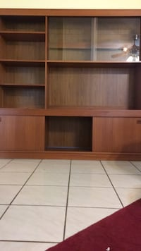 brown wooden 2-door cabinet Oxon Hill, 20745