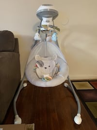 Baby's white and gray cradle and swing Silver Spring, 20901