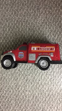 Battery operated fire truck with siren 27 km