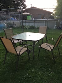 Outdoor square patio table with chairs  Hebron, 46341
