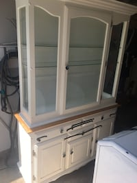 White China cabinet ( PICK UP ONLY) Mississauga, L5E 3K3