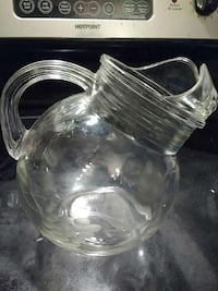 Vintage short pitcher 6.5 inches tall