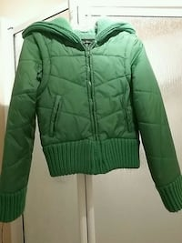 Green jacket/ vest sleeves are removable