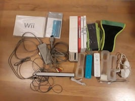 Game console Nintendo Wii  - accessories,  games