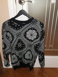 H&M mixed design sweater M Mississauga, L4W 3L4