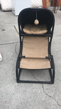Negotiable! cheetah, brown and black cat house with scratching post New York, 11378