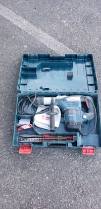 hammer drill with extra bits---brand new