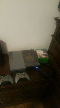 Xbox One special edition 6 CD free Bronx, 10456
