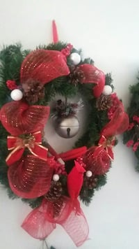 red and green Christmas wall wreath Hamilton, L8L 5N9