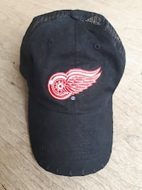 2 Detroit Red Wings Items... $10 Together... Calgary