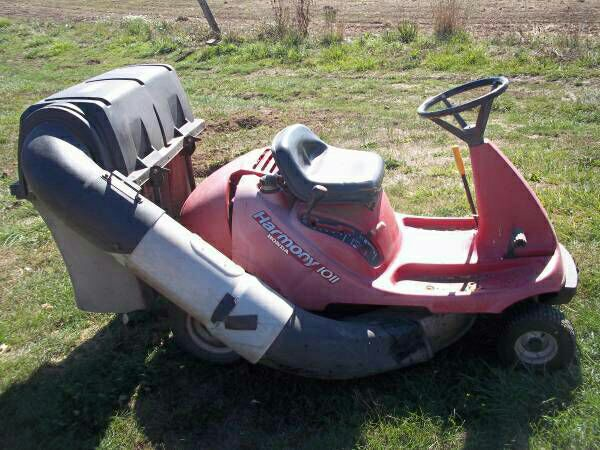 Honda Harmony Riding Lawn Mower With Bagger  $499